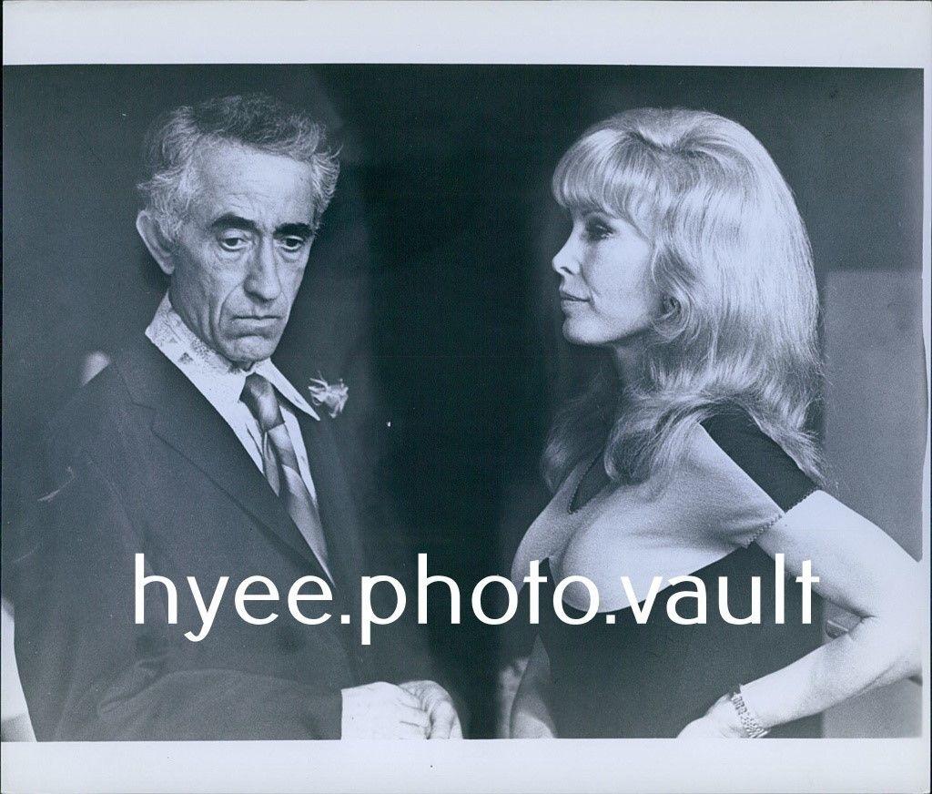 CA147_1978_Original_Photo_PAT_PAULSEN_BARBARA_EDEN_Harper_Valley_PTA