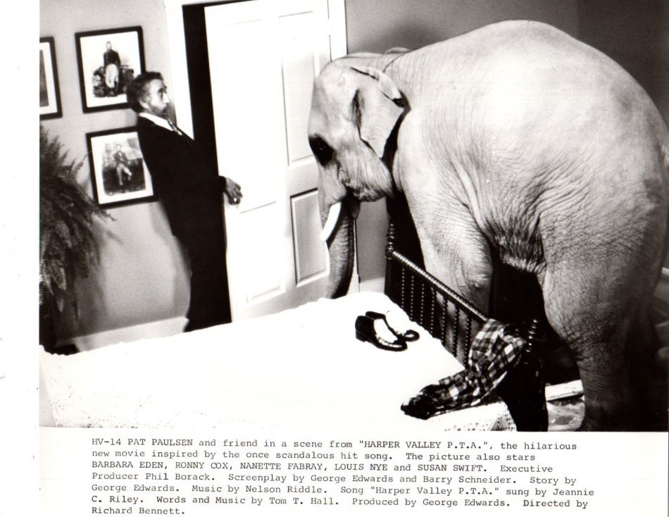Pat_Paulsen_Elephant_Harper_Valley_PTA_Original_8x10_Photo_F16451