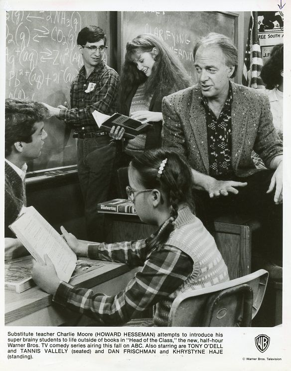 KHRYSTYNE_HAJE_SMILING_HOWARD_HESSEMAN_HEAD_OF_THE_CLASS_CAST_1986_ABC_TV_PHOTO