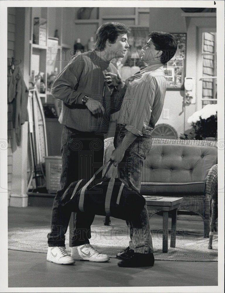 1989_Press_Photo_Jason_Bateman_Danny_Ponce_Hogan_Family_Comedy_Television_Series