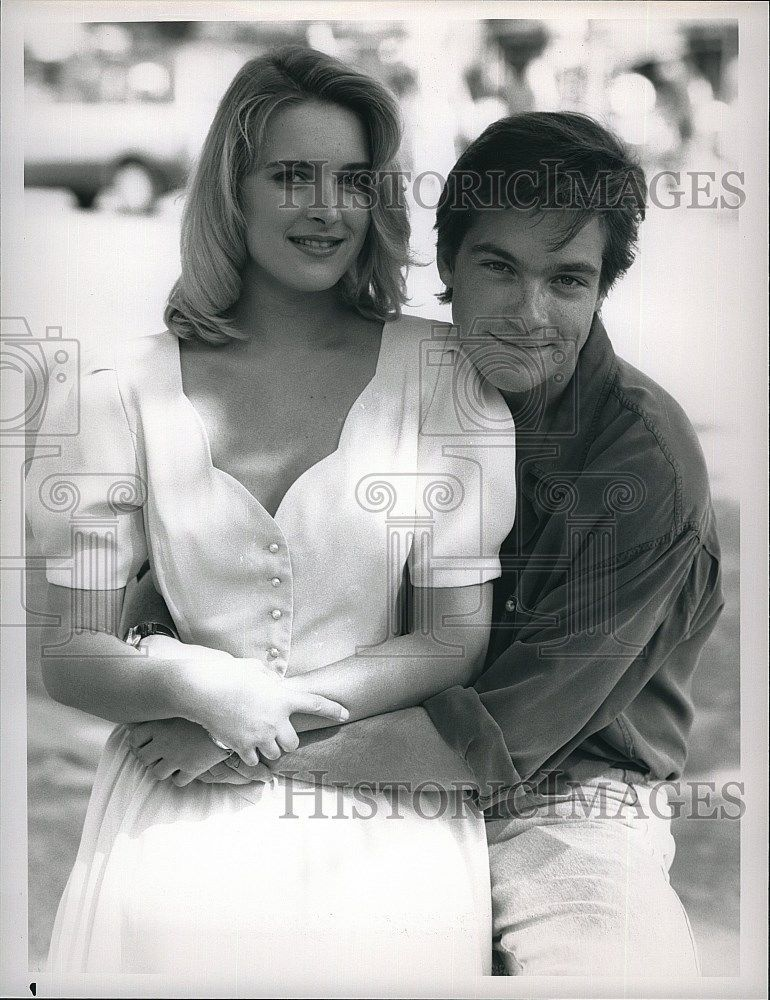1989_Press_Photo_Jason_Bateman_and_Alexandra_Powers