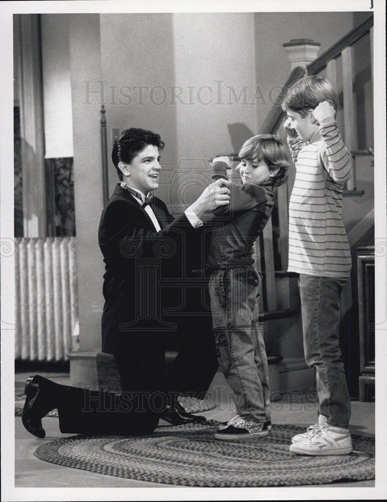 1990_Press_Photo_Pictured_is_a_scene_from_NBCmalatchipearsonmatthewbrooks