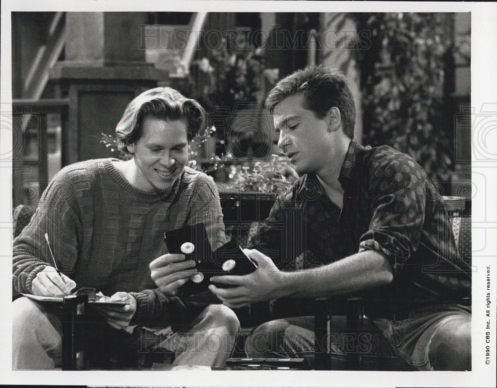 1990_Press_Photo_The_Hogan_Family_Jason_Bateman_Tom_Hodges_CBS_Television