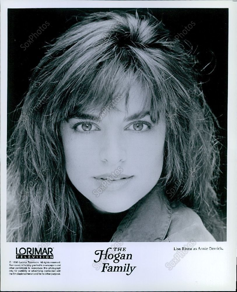 LG265_1990_The_Hogan_Family_Beautiful_Actress_Lisa_Rinna_Glamour_Portrait_Photo