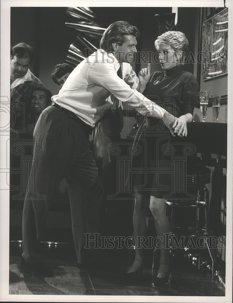 s-l1600Sandy_Duncan_and_Don_Mirault_in_The_Hogan_Family_on_NBC_