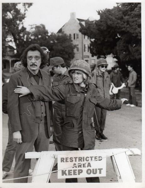 Private Benjamin: Dona Calfa & Lorna Patterson - Sitcoms ...