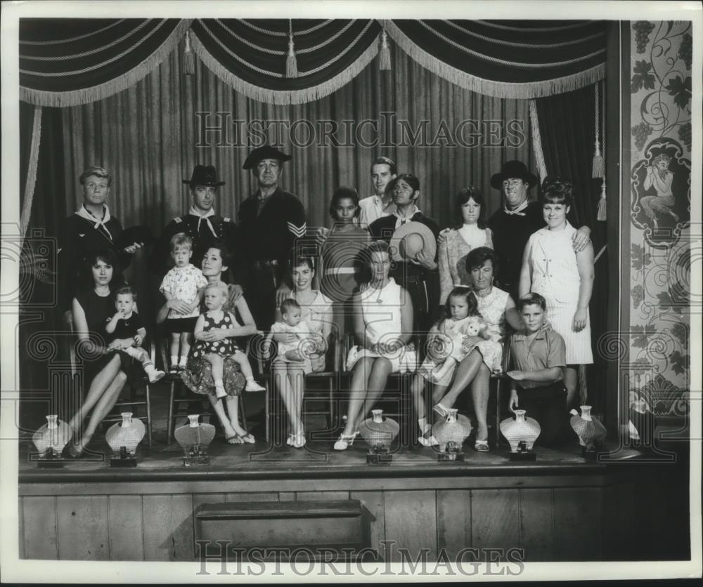 1966_Press_Photo_Costumed