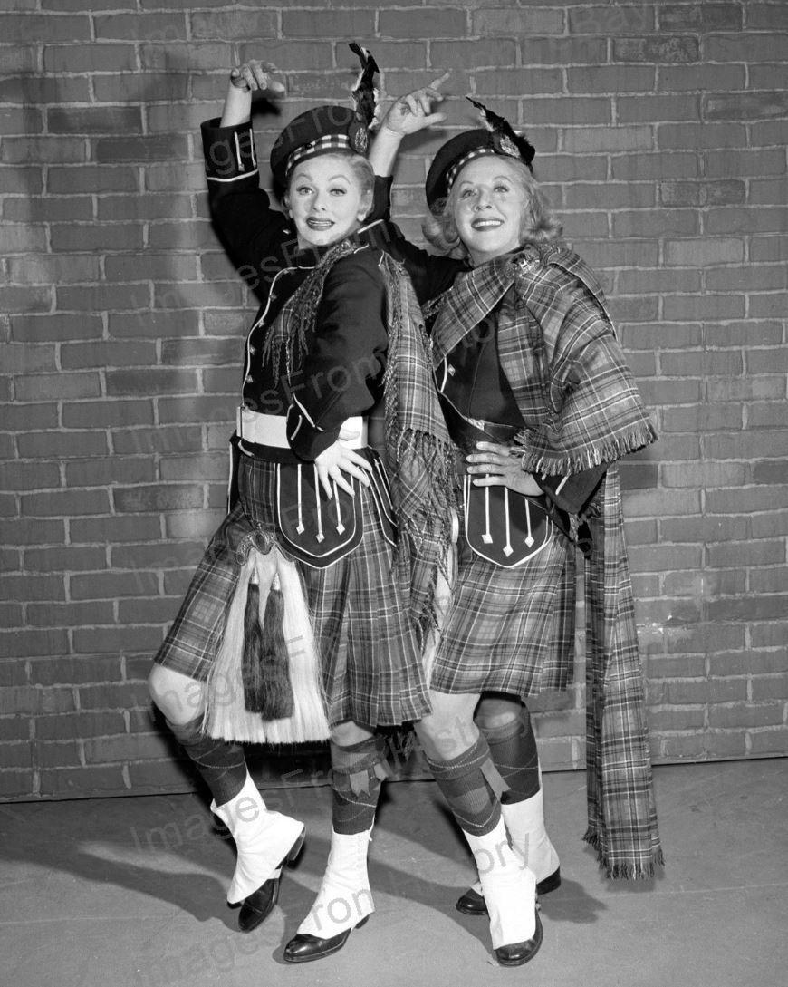 8x10_Print_Lucille_Ball_Vivien_Vance_The_Lucy_Show_1962_LB14