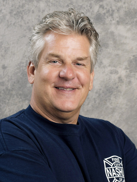 its-all-relative-lenny-clarke-3