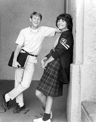 Ron Howard & Cindy Williams in American Graffiti - Sitcoms ...