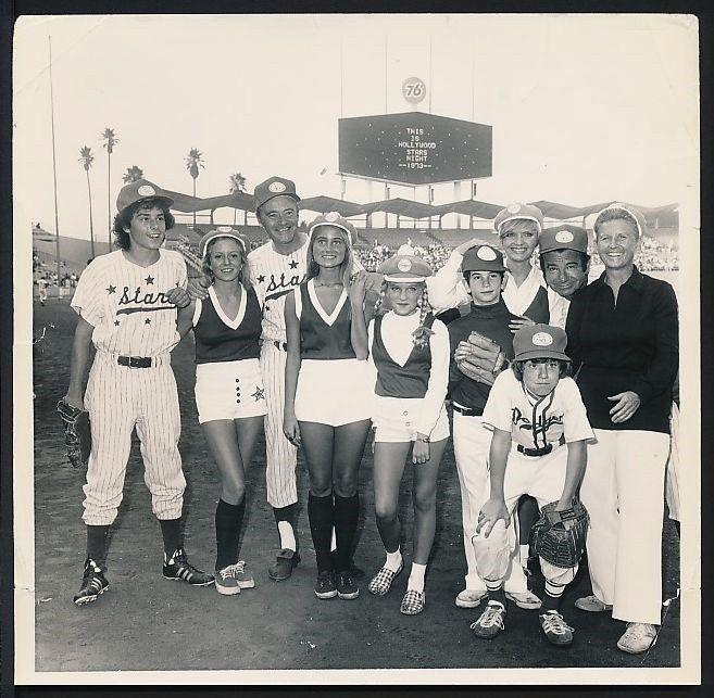 s-l16001973_Original_Photo_THE_BRADY_BUNCH_Baseball_Game_at_L_A_DODGERS_STADIUM