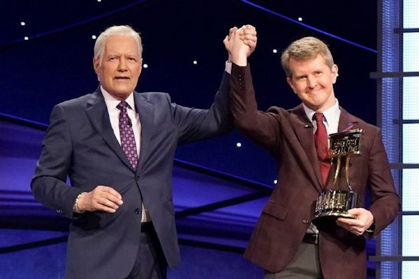 Alex Trebek and Ken Jennings