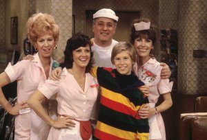 Finally The Classic 70s Sitcom Alice Starring Linda Lavin Is Coming To DVD In 2006 And Warner Home Video Wants Know What Your Favorite Ten Episodes Are