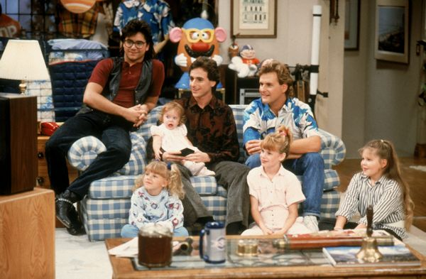 Full House Heads To Hallmark Channel In January 2018 Cbs