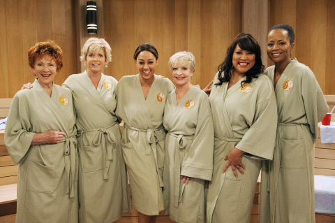Marion Ross, Meredith Baxter, Tia Mowry-Hardrict, Florence Henderson, Jackee, and Tempestt Bledsoe