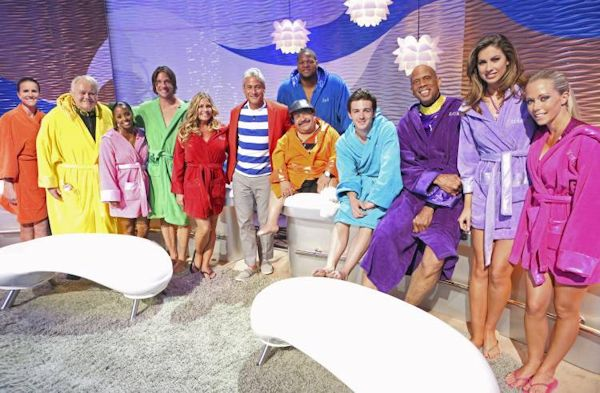 Nicole Eggert with cast of Splash